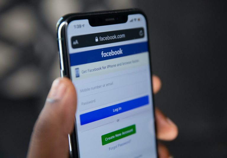 How to Run a Successful Facebook Giveaway in 10 Simple Steps